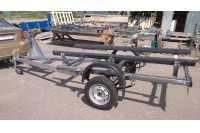Прицеп в дополнительной комплектации с лебедкой, носовым упором и опорным колесом