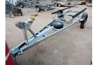 Прицеп в дополнительной комплектации с лебедкой и запасным колесом